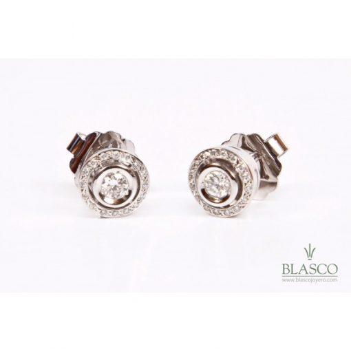 pendientes-de-circulos-de-diamantes-de-oro-blanco