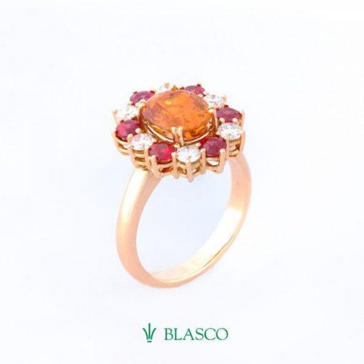 sortija-orla-de-diamantes-y-zafiros-fuego-con-zafiro-amarillo-central (1)