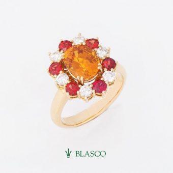 sortija-orla-de-diamantes-y-zafiros-fuego-con-zafiro-amarillo-central