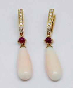 pendientes-para-novia-de-oro-blanco-diamantes-y-lagrimas-de-coral