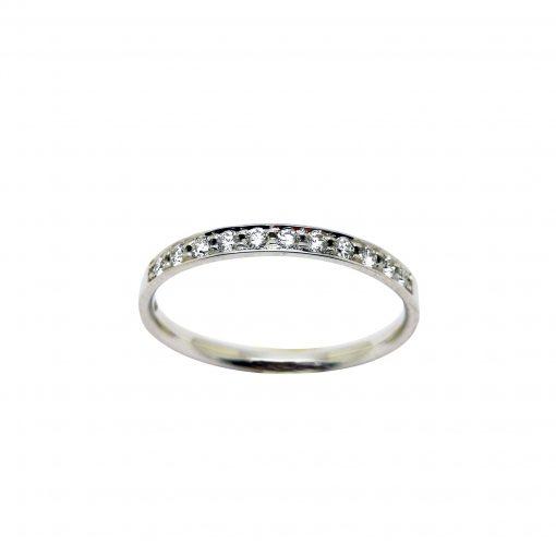 Media alianza diamantes fina oro blanco. Ideal para acompañar solitarios y otras alianzas más gruesas. Decubre la nueva colección Blasco Basic.