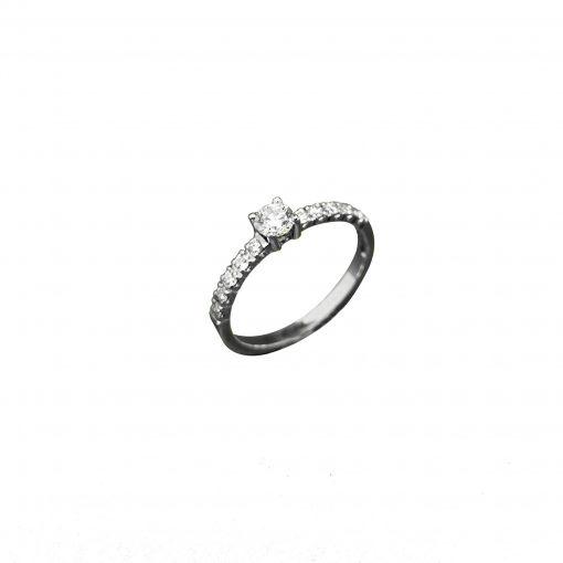 BLASCOBASIC-Solitario-de-diamante--y-diamantes-laterales