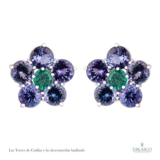 Pendientes tanzanitas y esmeraldas